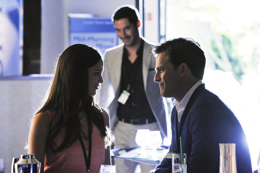 Foto Mike Doyle, Odette Annable, Tom Ellis