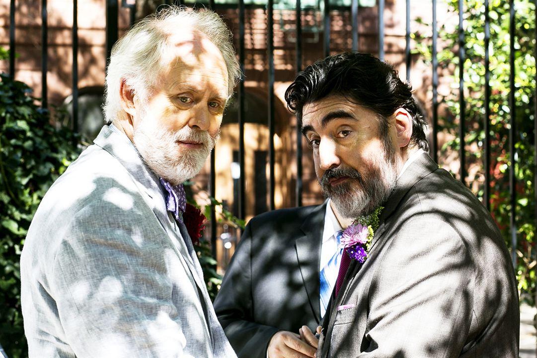 O Amor É Estranho : Foto Alfred Molina, John Lithgow
