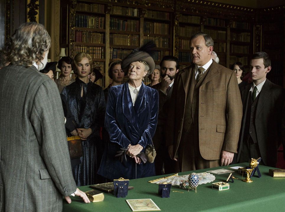 Foto Hugh Bonneville, Lily James, Maggie Smith