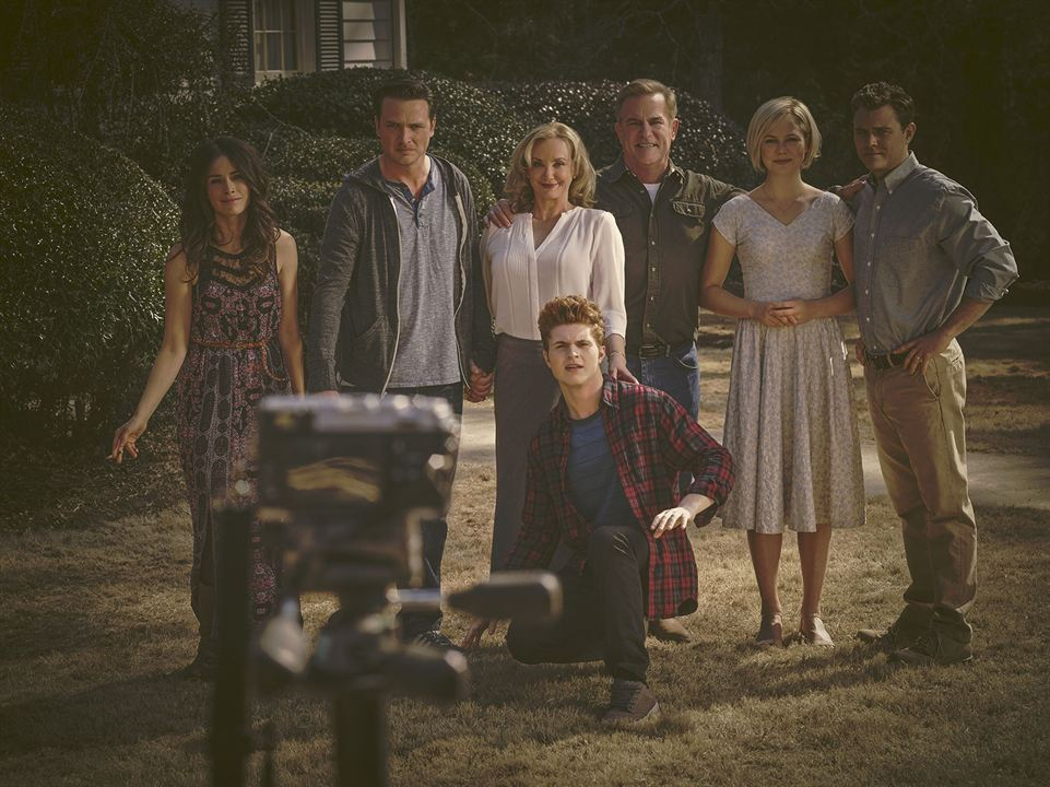 Photo Abigail Spencer, Adelaide Clemens, Aden Young, Bruce McKinnon, J. Smith-Cameron