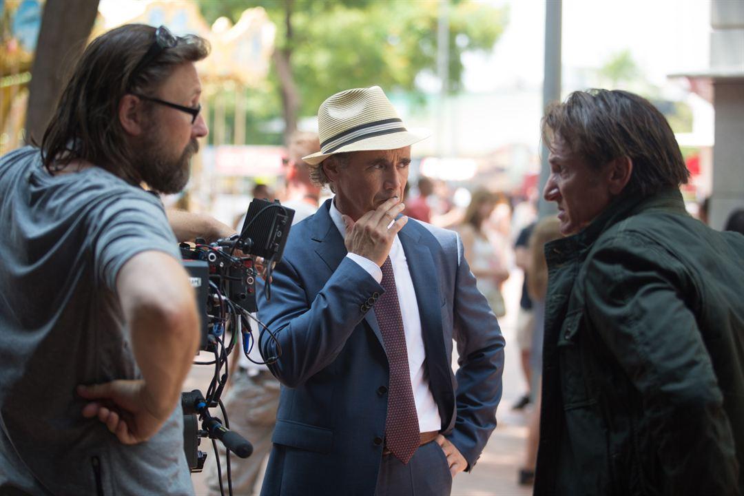 O Franco-Atirador : Foto Mark Rylance, Pierre Morel, Sean Penn