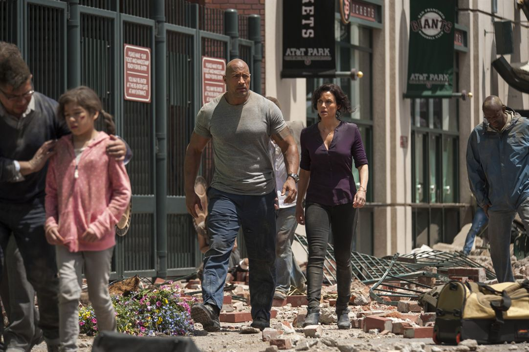 Terremoto - A Falha de San Andreas : Foto Carla Gugino, Dwayne Johnson