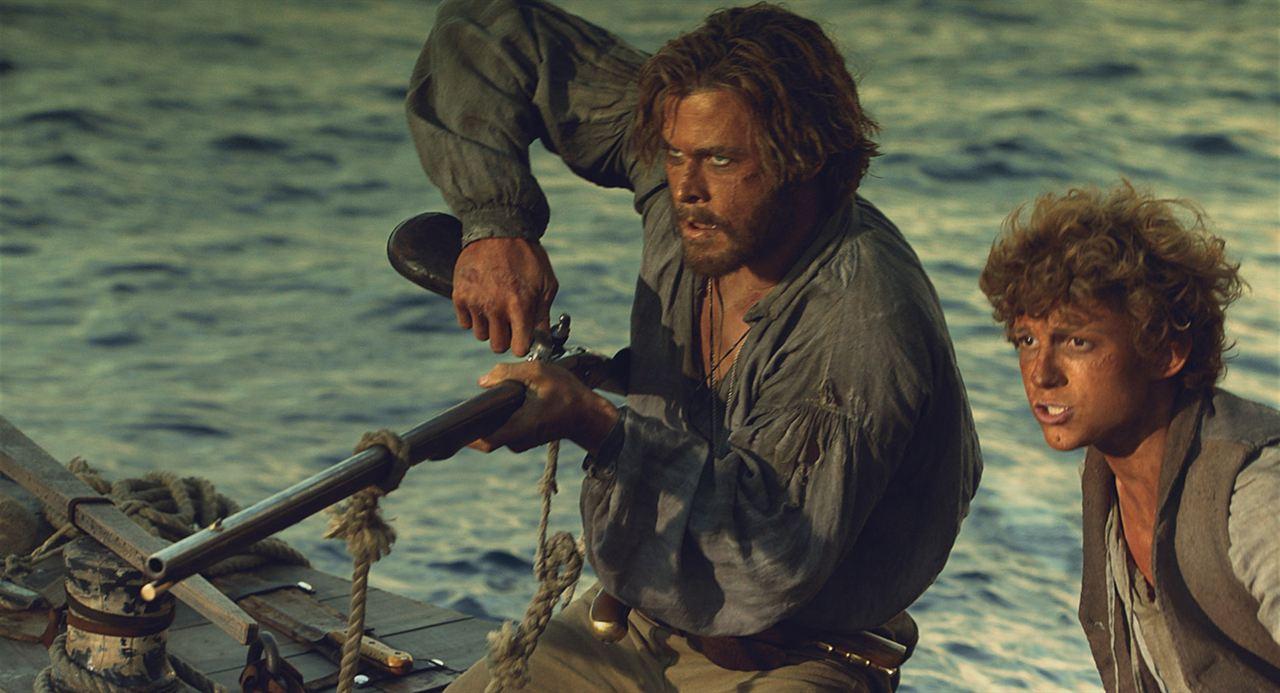 No Coração do Mar : Foto Chris Hemsworth, Tom Holland