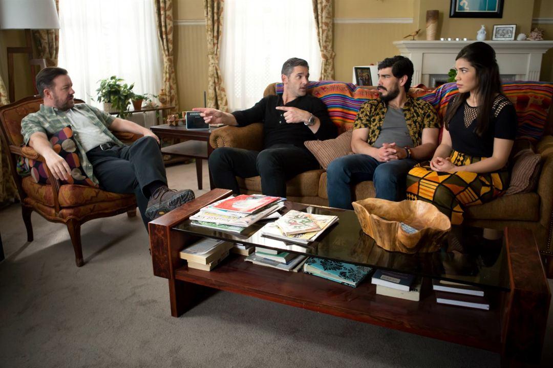 Special Correspondents : Foto America Ferrera, Eric Bana, Raul Castillo, Ricky Gervais