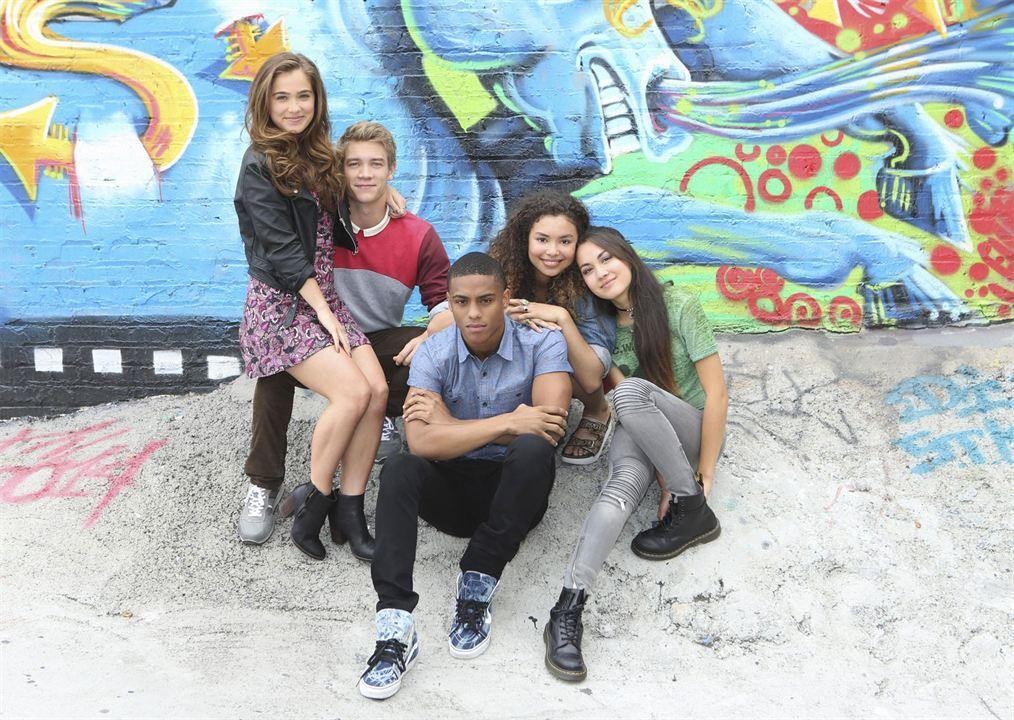 Foto Haley Lu Richardson, Jessica Sula, Keith Powers, Lucas Adams, Meg DeLacy