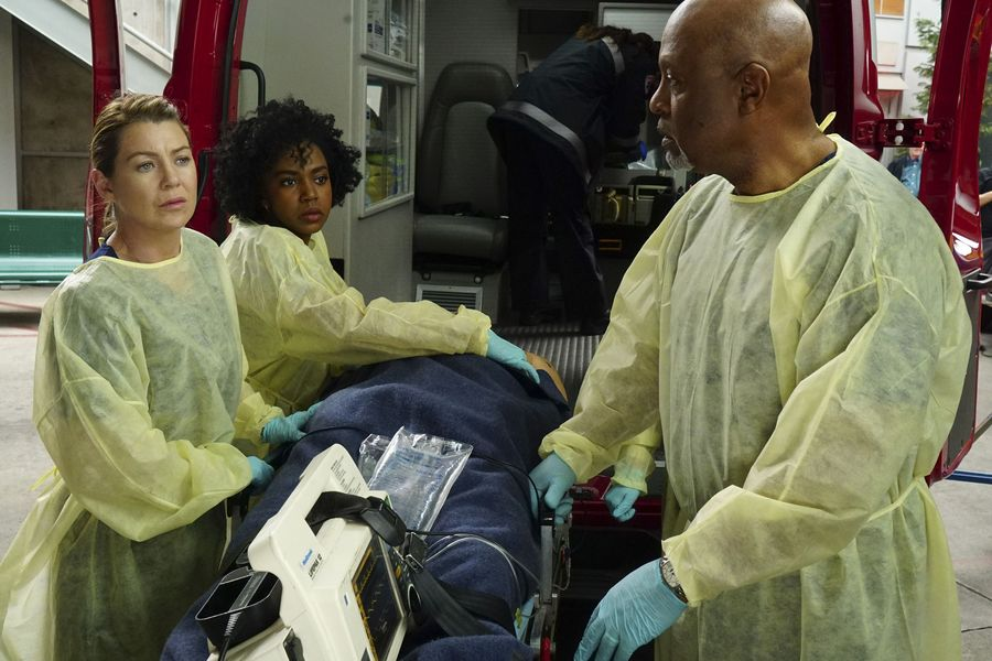 Foto Ellen Pompeo, James Pickens Jr., Jerrika Hinton