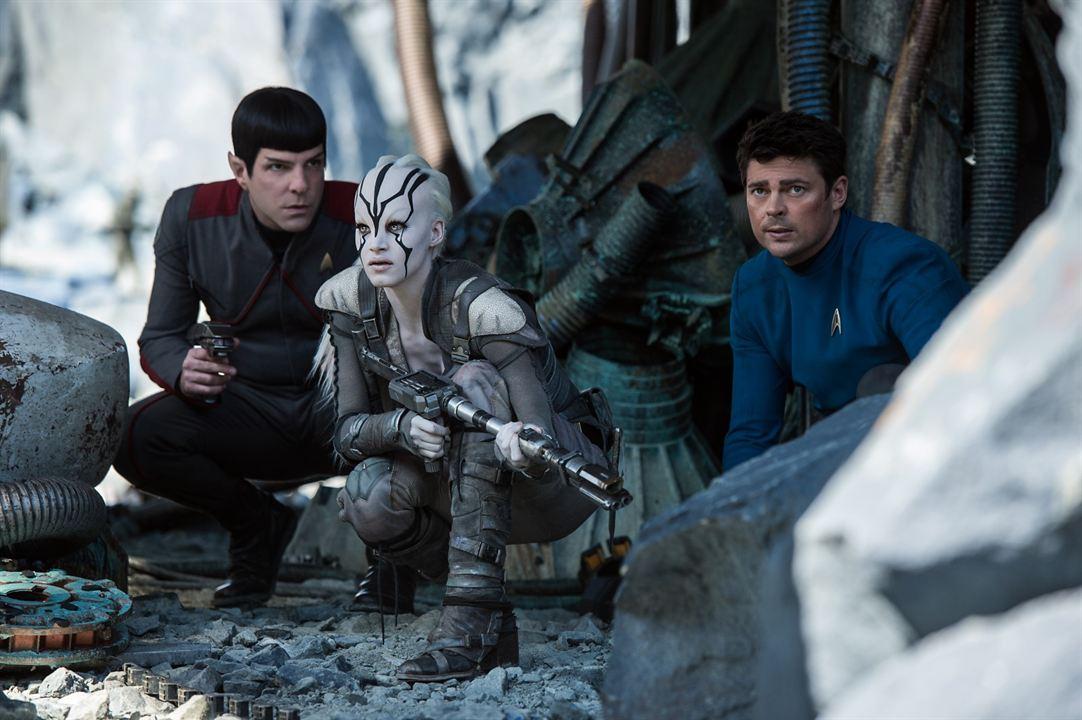 Star Trek: Sem Fronteiras : Foto Karl Urban, Sofia Boutella, Zachary Quinto