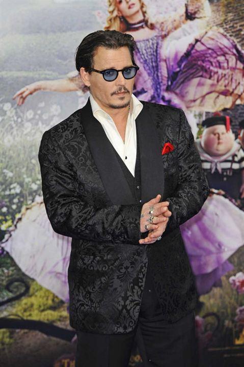 Alice Através do Espelho : Vignette (magazine) Johnny Depp