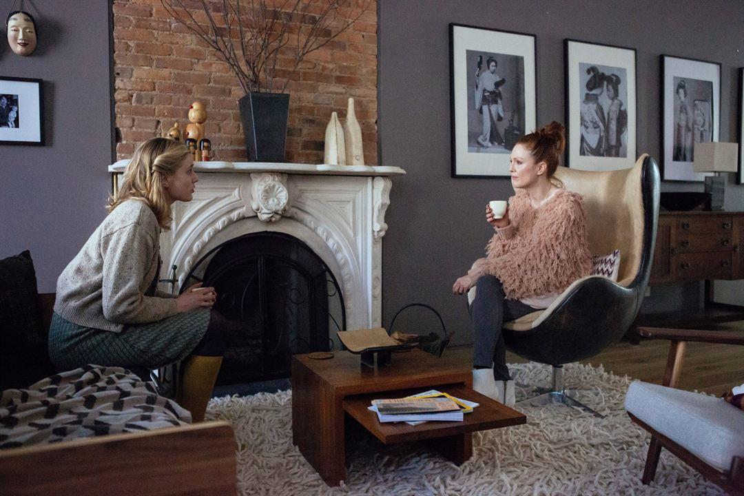 O Plano de Maggie : Foto Greta Gerwig, Julianne Moore