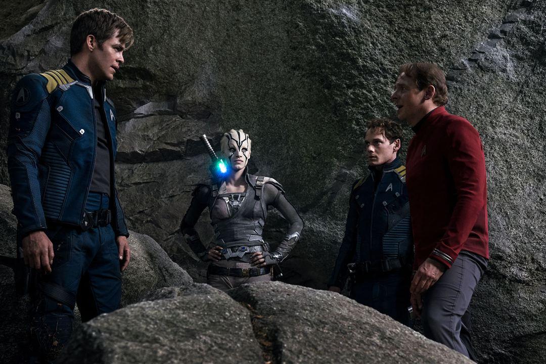 Star Trek: Sem Fronteiras : Foto Anton Yelchin, Chris Pine, Simon Pegg, Sofia Boutella