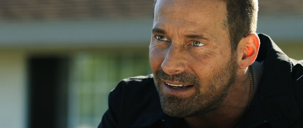 Weaponized : Foto Johnny Messner