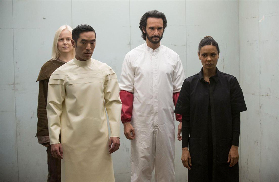 Foto Ingrid Bolsø Berdal, Leonardo Nam, Rodrigo Santoro, Thandie Newton