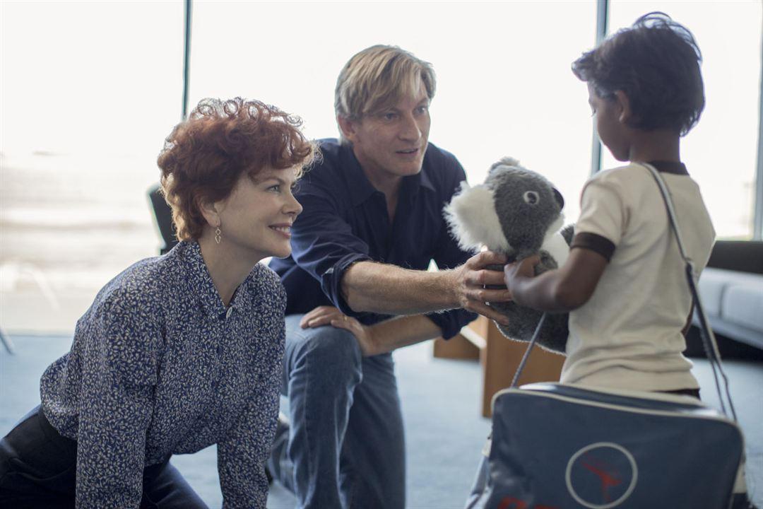 Lion - Uma Jornada Para Casa : Foto David Wenham, Nicole Kidman, Sunny Pawar