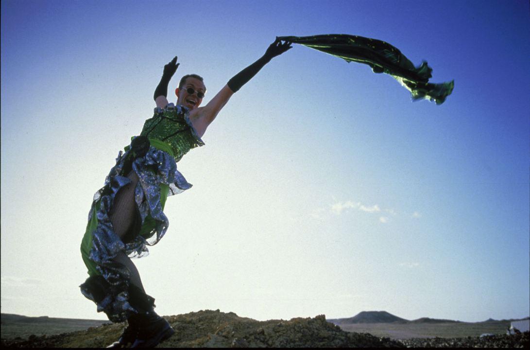 Priscilla, a Rainha do Deserto : Foto Hugo Weaving