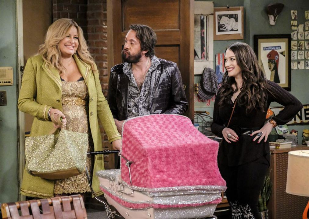 Foto Jennifer Coolidge, Jonathan Kite, Kat Dennings