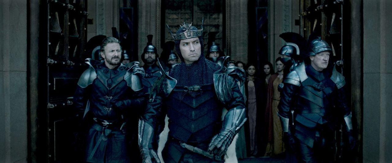 Rei Arthur - A Lenda da Espada : Foto Jude Law, Peter Ferdinando