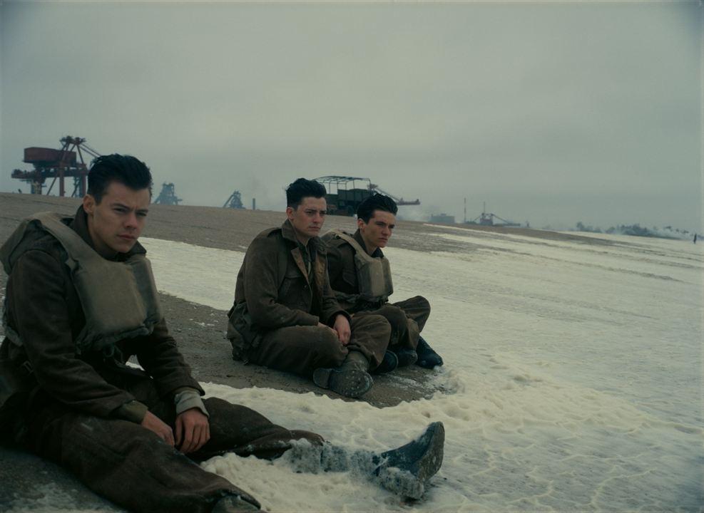Dunkirk : Foto Aneurin Barnard, Fionn Whitehead, Harry Styles