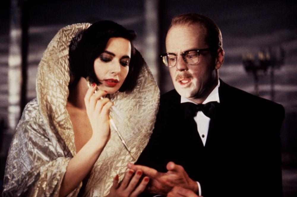 A Morte lhe Cai Bem: Isabella Rossellini, Bruce Willis