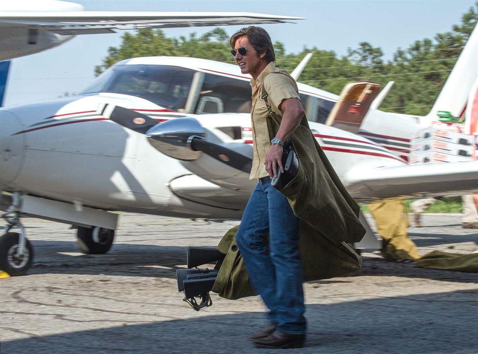 Feito na América: Tom Cruise, Sarah Wright