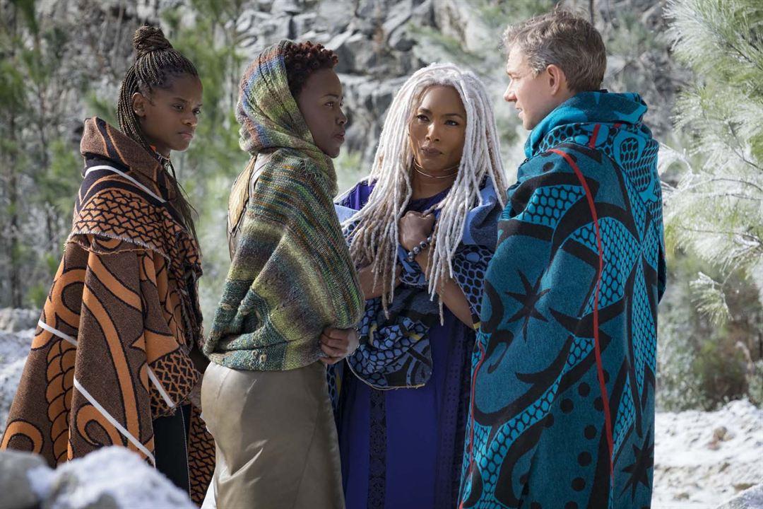 Pantera Negra : Foto Angela Bassett, Letitia Wright, Lupita Nyong'o, Martin Freeman