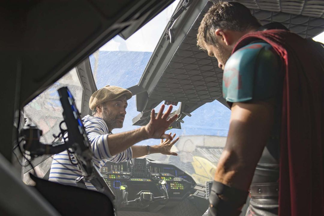 Thor: Ragnarok : Foto Chris Hemsworth, Taika Waititi