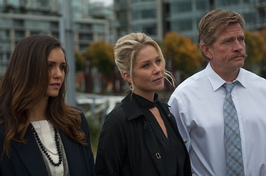 Crash Pad: Dando o Troco : Foto Christina Applegate, Nina Dobrev, Thomas Haden Church