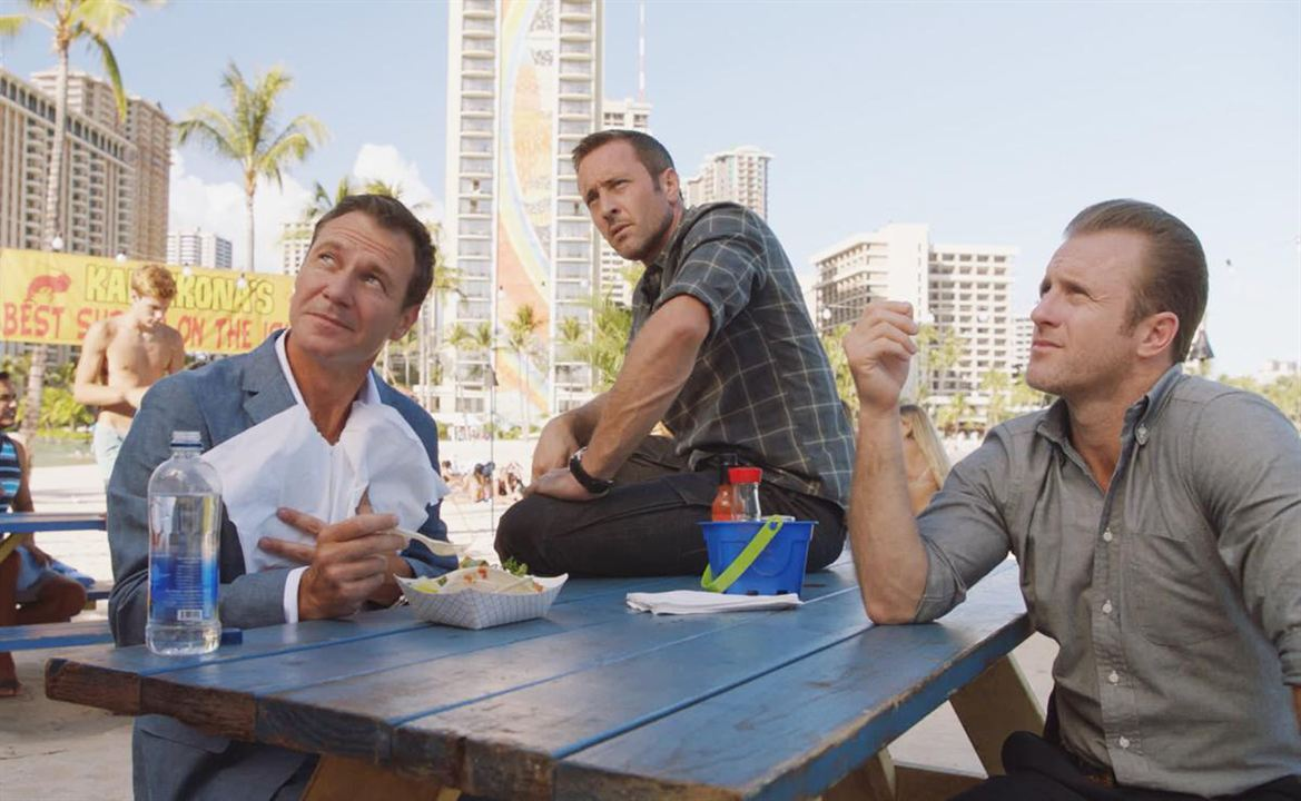 Foto Alex O'Loughlin, Chris Vance, Scott Caan