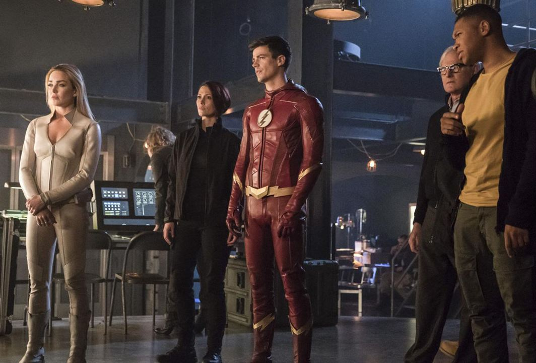 Foto Caity Lotz, Chyler Leigh, Franz Drameh, Grant Gustin, Victor Garber