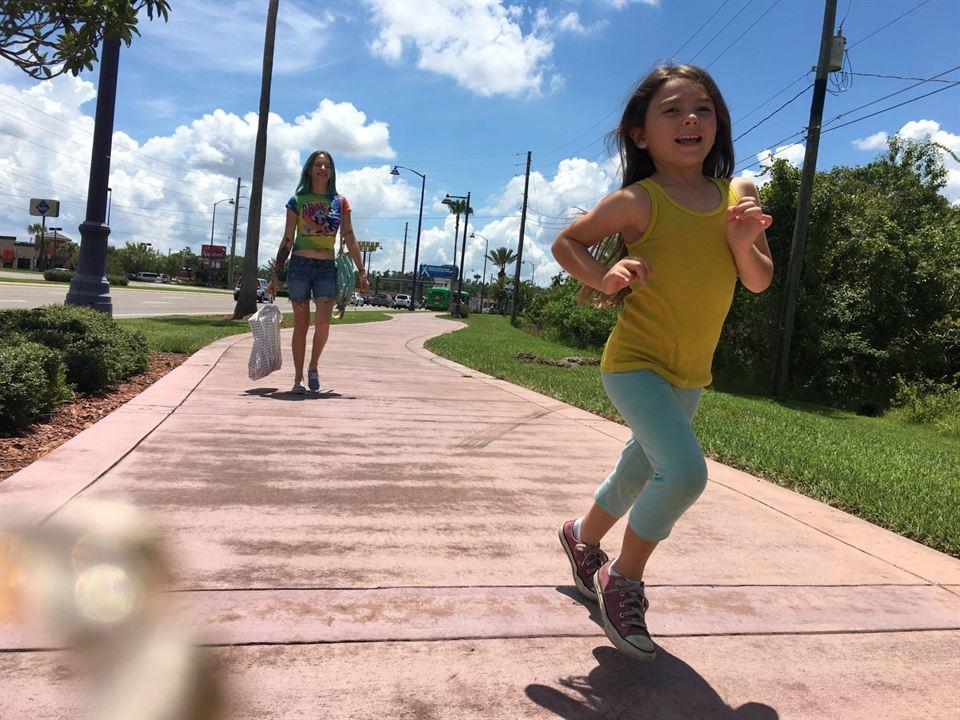 Projeto Flórida : Foto Bria Vinaite, Brooklynn Prince