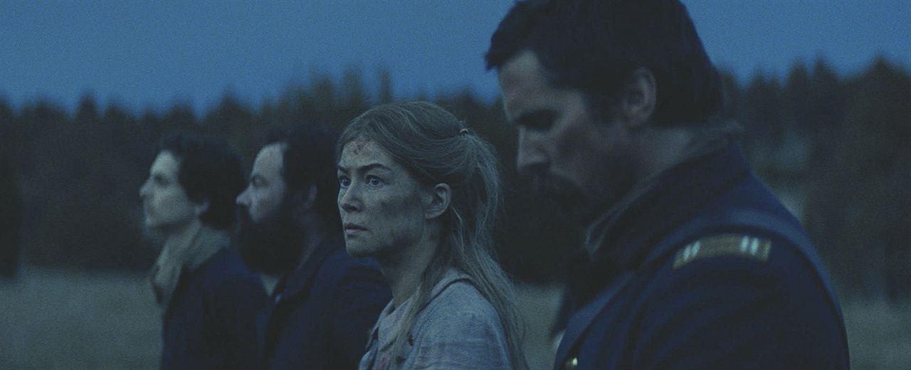 Hostis : Foto Bill Camp, Christian Bale, Rosamund Pike, Timothée Chalamet