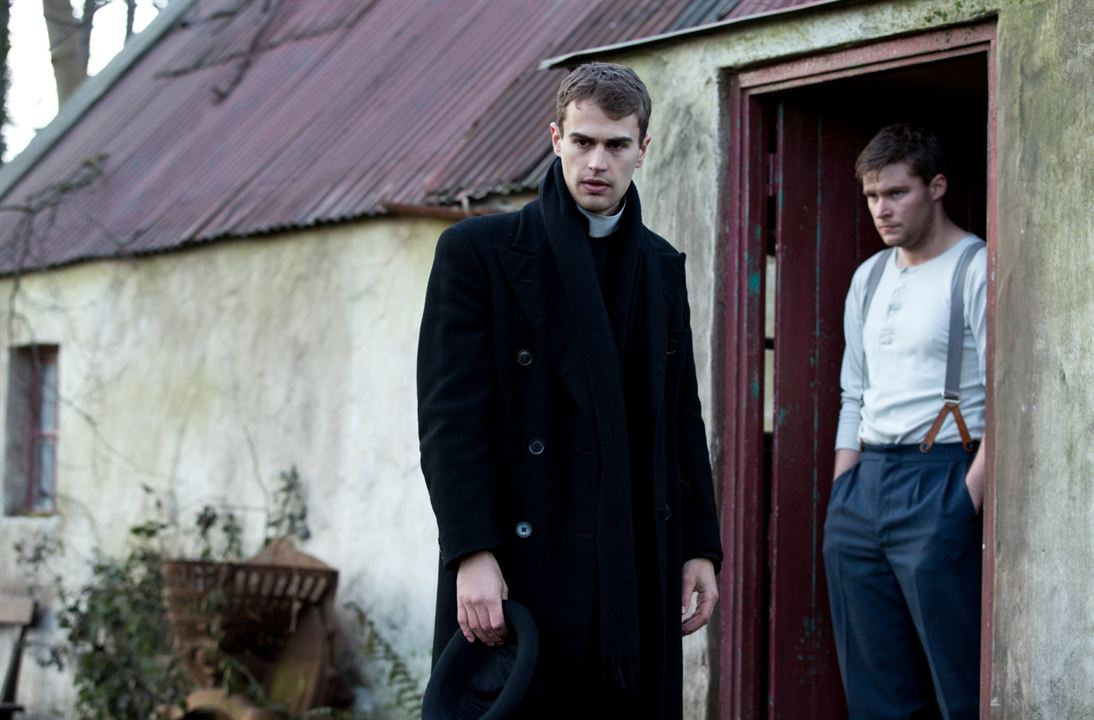 Os Escritos Secretos : Foto Jack Reynor, Theo James