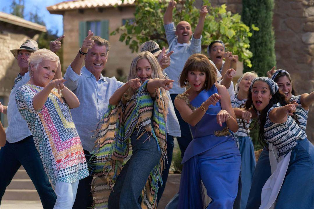 Mamma Mia! Lá Vamos Nós de Novo : Foto Amanda Seyfried, Christine Baranski, Julie Walters, Pierce Brosnan