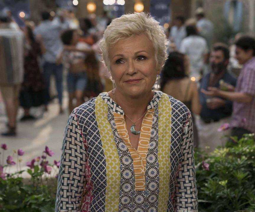 Mamma Mia! Lá Vamos Nós de Novo : Foto Julie Walters