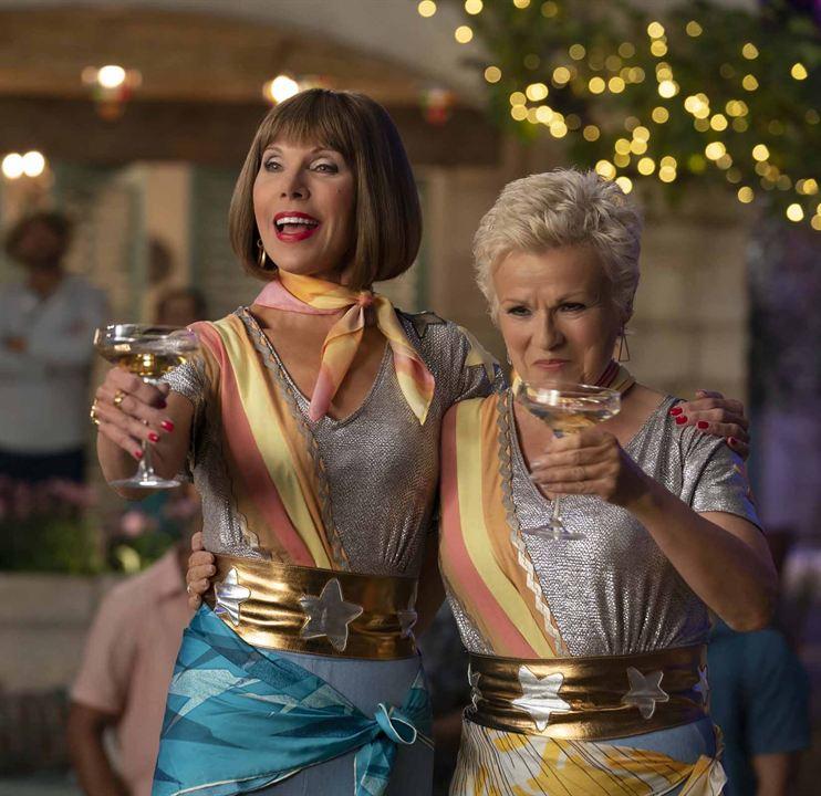 Mamma Mia! Lá Vamos Nós de Novo : Foto Christine Baranski, Julie Walters