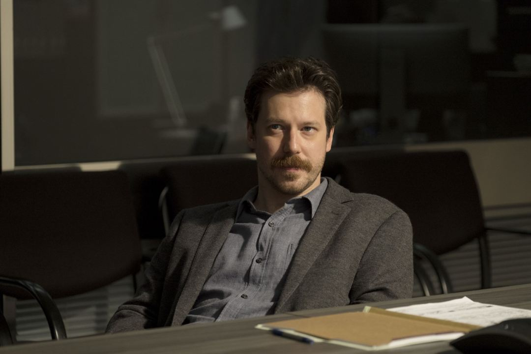 A Justiceira : Foto John Gallagher Jr.