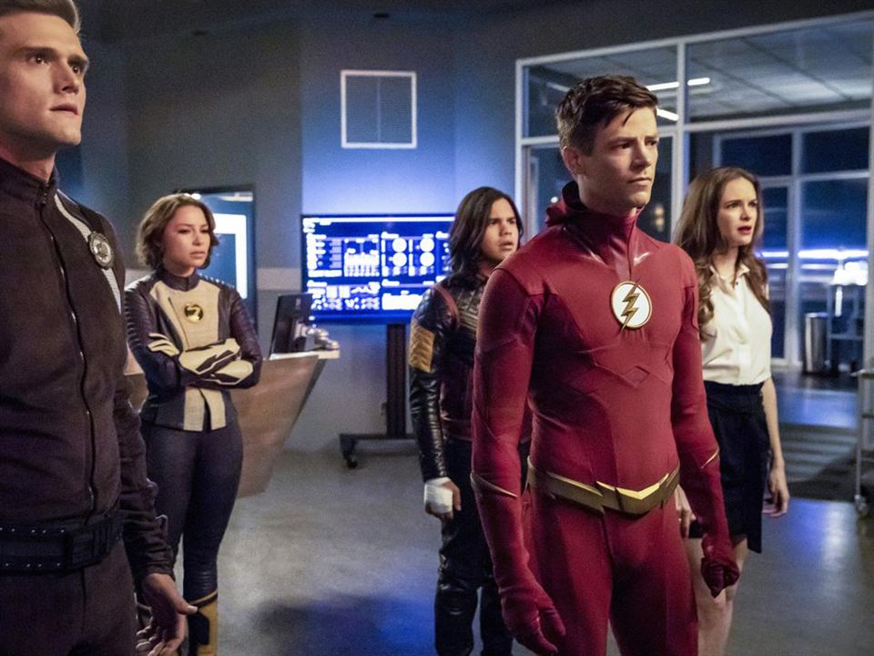 Foto Carlos Valdes, Danielle Panabaker, Grant Gustin, Hartley Sawyer, Jessica Parker Kennedy