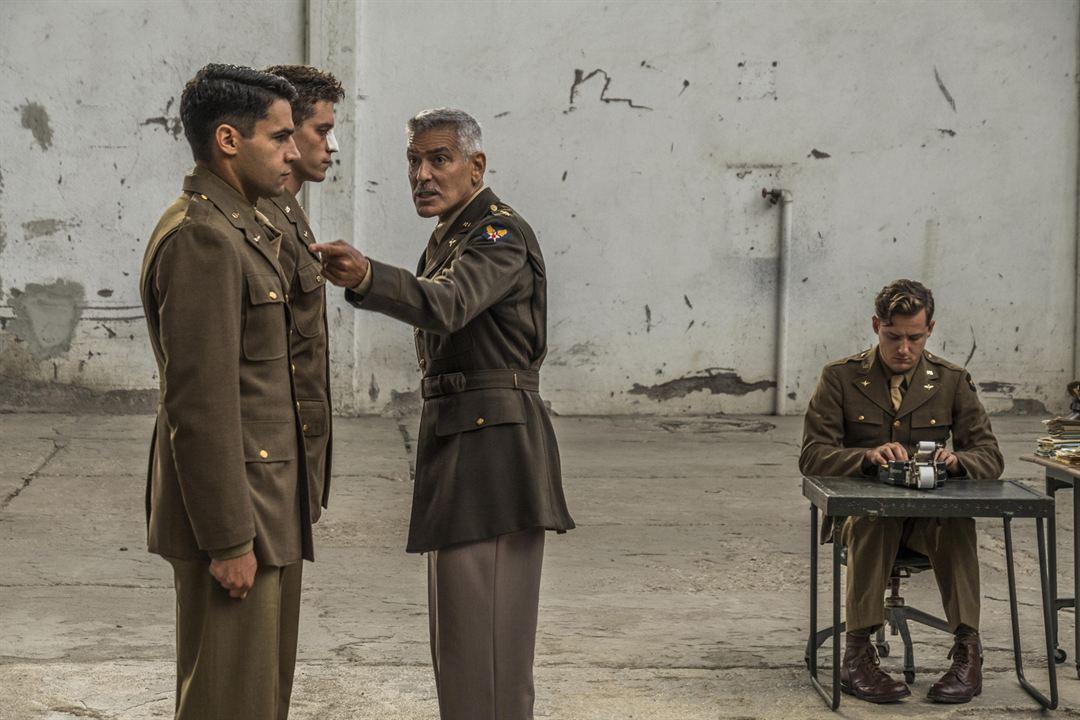 Foto Christopher Abbott, George Clooney, Lewis Pullman, Pico Alexander