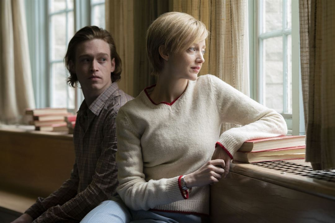 Foto Andrea Riseborough, Caleb Landry Jones
