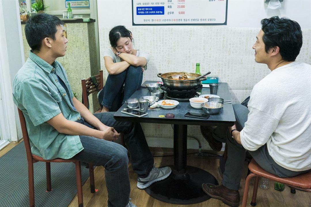 Em Chamas : Foto Jeon Jong-seo, Steven Yeun, Yoo Ah-In