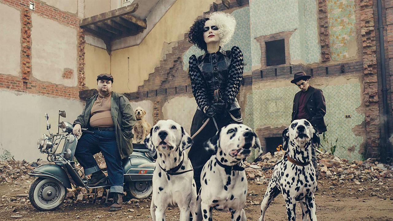 Cruella: Emma Stone, Joel Fry, Paul Walter Hauser