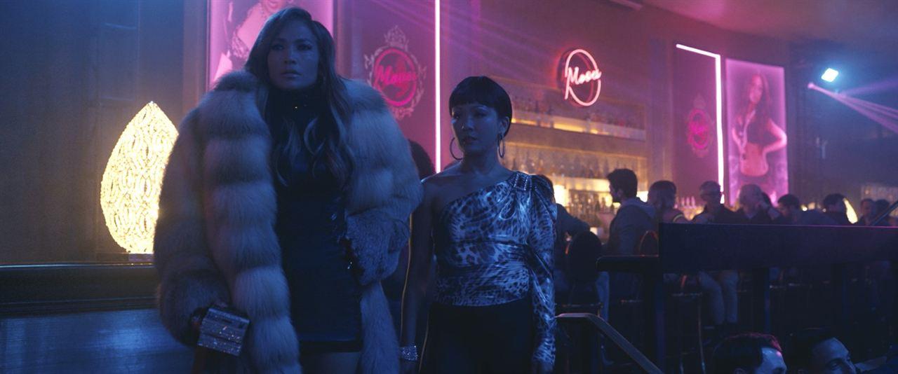 As Golpistas : Foto Constance Wu, Jennifer Lopez