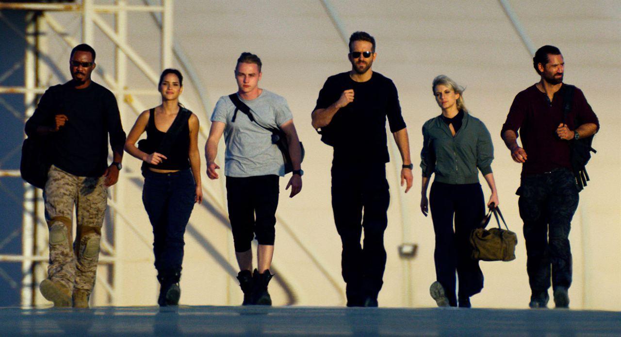 Esquadrão 6 : Foto Adria Arjona, Ben Hardy, Corey Hawkins, Manuel Garcia-Rulfo, Mélanie Laurent