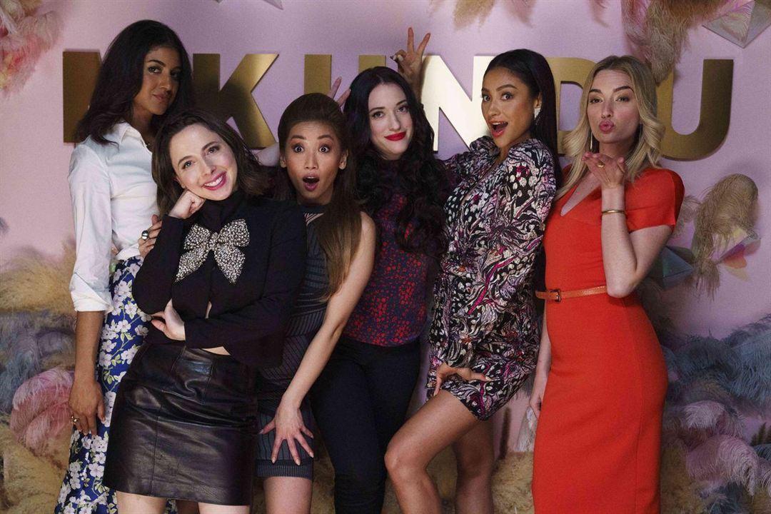 Foto Brenda Song, Brianne Howey, Esther Povitsky, Kat Dennings, Shay Mitchell