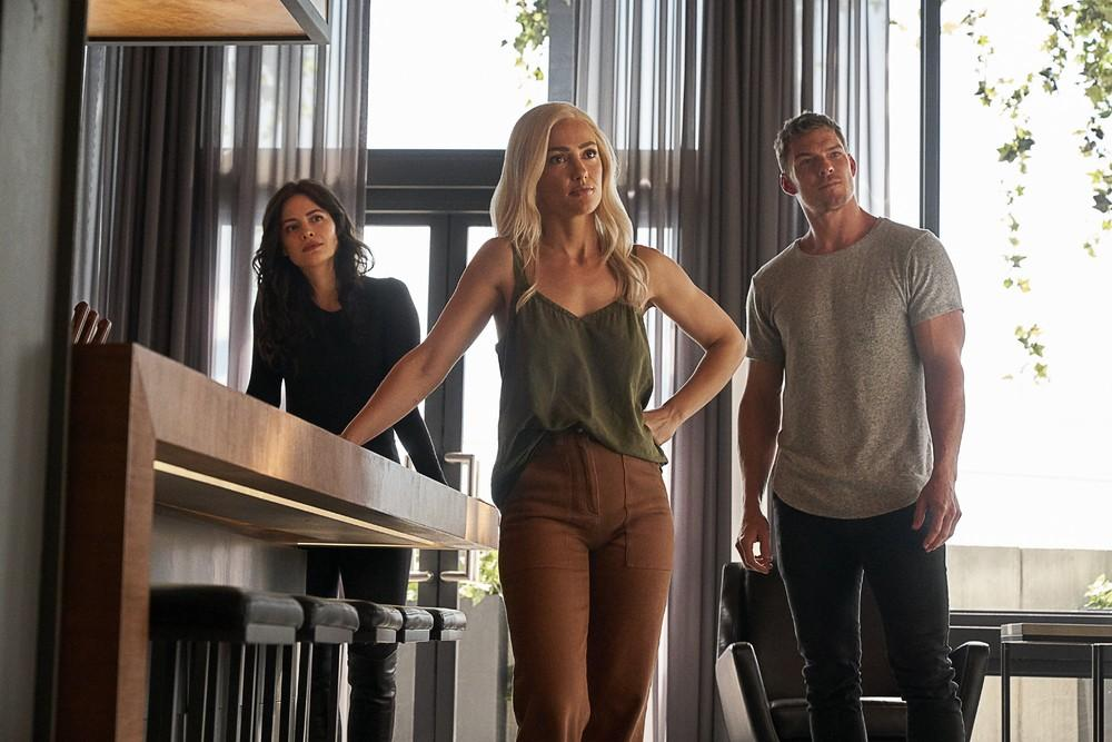 Foto Alan Ritchson, Conor Leslie, Minka Kelly