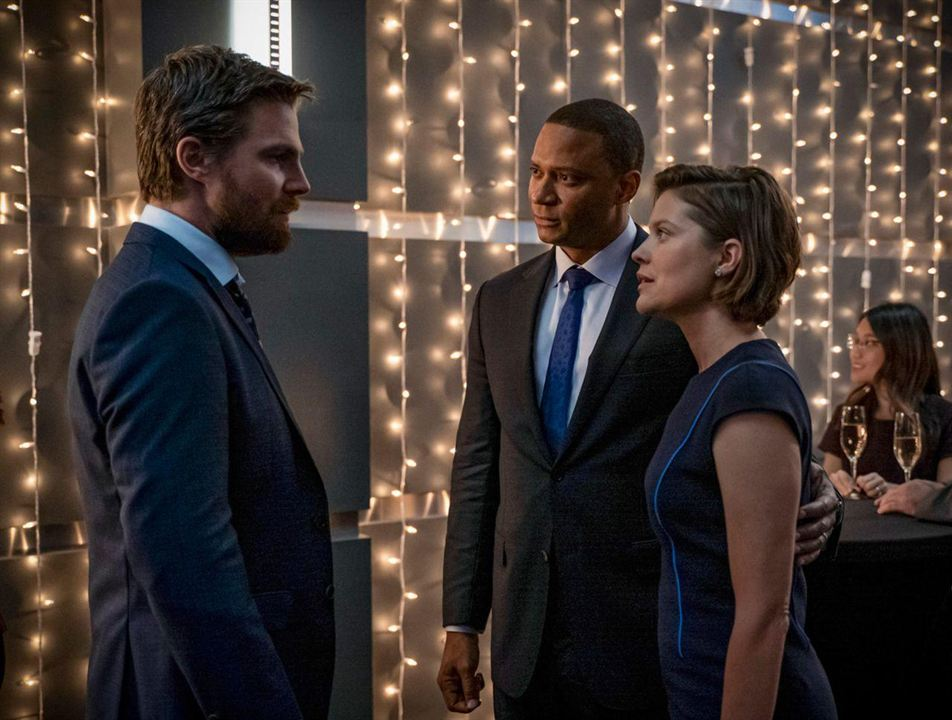 Foto Audrey Marie Anderson, David Ramsey, Stephen Amell