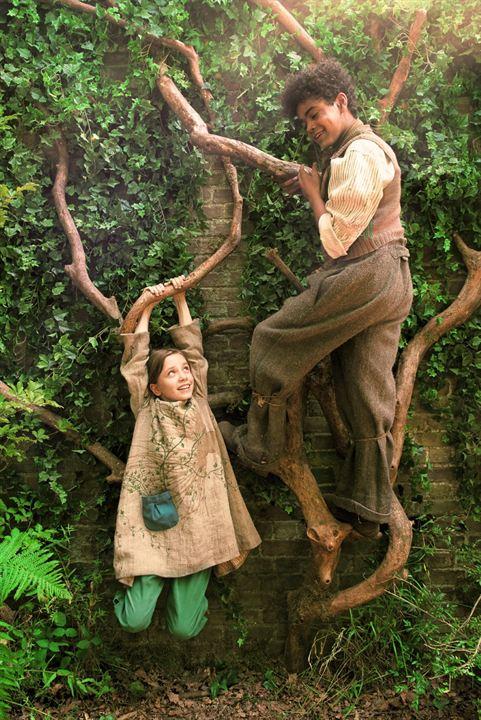 O Jardim Secreto : Foto Amir Wilson, Dixie Egerickx