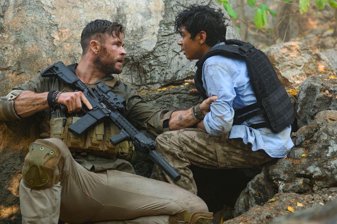 Resgate : Foto Chris Hemsworth, Rudhraksh Jaiswal
