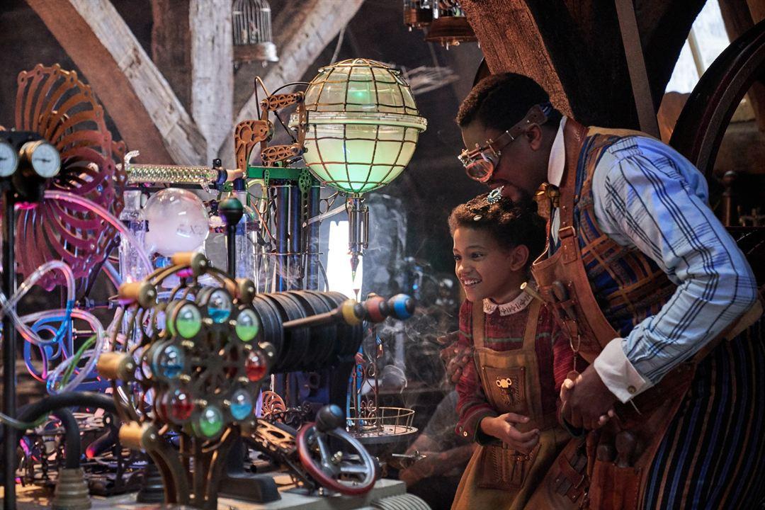Uma Invenção de Natal: Madalen Mills, Justin Cornwell