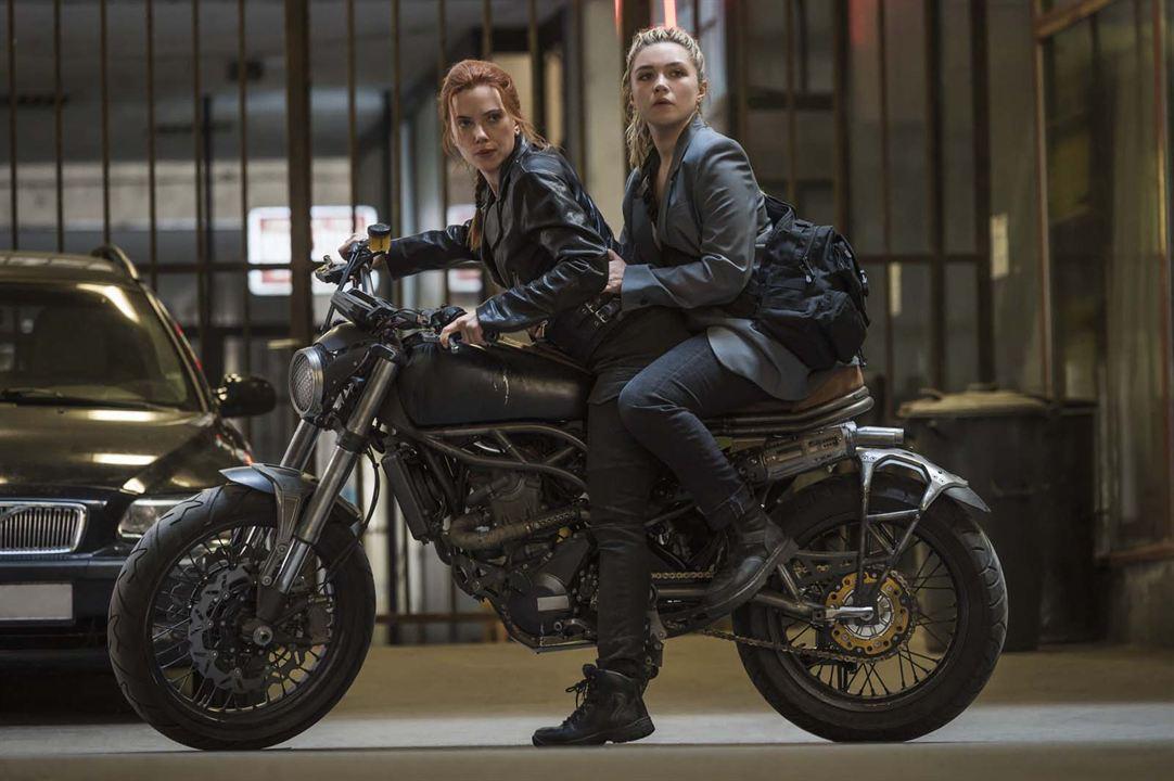 Viúva Negra: Scarlett Johansson, Florence Pugh