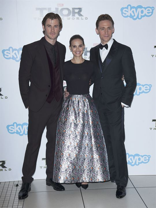 Thor: O Mundo Sombrio : Vignette (magazine) Chris Hemsworth, Natalie Portman, Tom Hiddleston